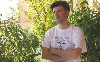 Ο Φοίβος Δεληβοριάς βρίσκεται στις τελικές ετοιμασίες για τον καινούργιο δίσκο, που θα κυκλοφορήσει τον Νοέμβριο, με τον τίτλο «Καλλιθέα».