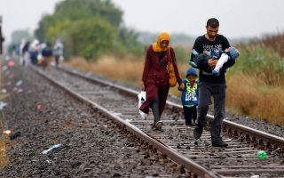 Περίπου 5.000 πρόσφυγες έφθασαν στα σερβοουγγρικά σύνορα το τελευταίο εικοσιτετράωρο.