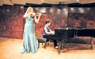 H Eφη Xριστοδούλου, σόλο βιολί στις Humouresques του Sibelius σε κοντσέρτο το 2011 υπό την αιγίδα της πρεσβείας της Φινλανδίας και του τότε πρέσβη κ. Pekka Lintu, στο Iδρυμα Θεοχαράκη. Στο πιάνο η Margaret Fingerhut.