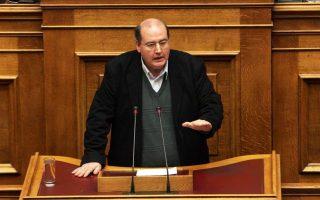 Ο Νίκος Φίλης έχει προαναγγείλει ότι με Πράξη Νομοθετικού Περιεχομένου θα καταργήσει επί της ουσίας τα πανεπιστημιακά συμβούλια.