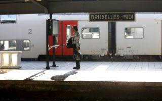 Παγιδευμένος επιβάτης σε άδεια σιδηροδρομική πλατφόρμα, σε σταθμό των Βρυξελλών.
