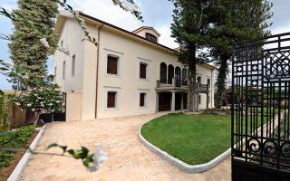 Η ανακαινισμένη Οικία Ελευθερίου Βενιζέλου στη Χαλέπα Χανίων ως σύγχρονο μουσείο υποδέχεται τους επισκέπτες του.
