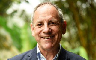 Ο καθηγητής Joe Niemela, ερευνητής και παγκόσμιος συντονιστής της UNESCO για το Διεθνές Ετος Φωτός 2015.
