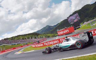 H Μερσέντες έχει ήδη κατακτήσει τον τίτλο των κατασκευαστών και περιμένει από τον πρώτο πιλότο της, Λιούις Χάμιλτον, το πρωτάθλημα και στους οδηγούς.