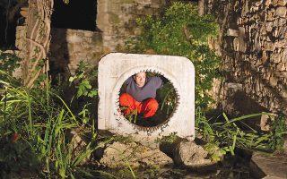 «Drops of Peace», σταγόνες Ειρήνης, στους κήπους του Μουσείου Βορρέ, στην Παιανία. Το ταξίδι ξεκινά αύριο, Κυριακή 25 έως και 27 Οκτωβρίου. Ωρα έναρξης 20.30 (φωτογραφίες Αλέξανδρος Αναγνωστόπουλος).
