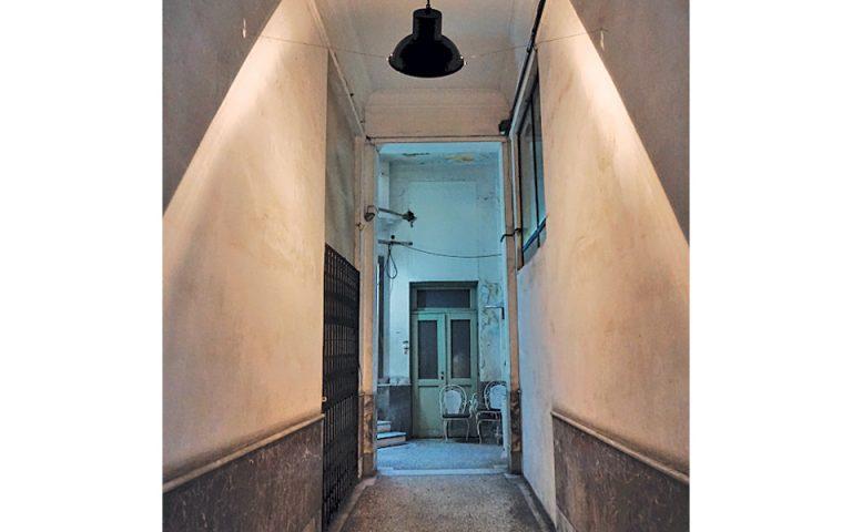 Η κρυφή πόρτα της οδού Κολοκοτρώνη