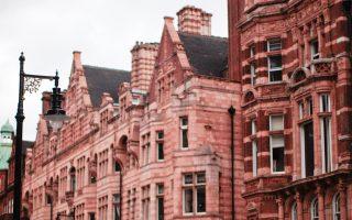 Tο Λονδίνο παραμένει η πόλη της οποίας η αγορά ακινήτων διαθέτει τη μεγαλύτερη ρευστότητα και ταυτόχρονα είναι η πιο διαφανής.