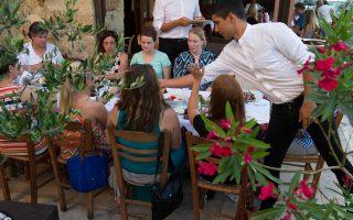 Από τα καλύτερα εστιατόρια των Χανίων ο «Χρυσόστομος». (Φωτογραφία: ΒΑΓΓΕΛΗΣ ΖΑΒΟΣ)