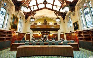Η απόφαση του βρετανικού Ανώτατου Δικαστηρίου αναμένεται να οδηγήσει σε επανεξέταση αρκετούς διακανονισμούς.