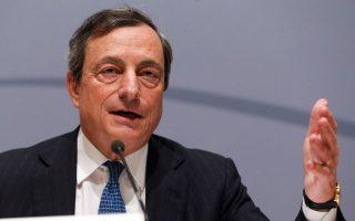 Οπως σημείωσε ο πρόεδρος της ΕΚΤ, κ. Μάριο Ντράγκι, στη συνέντευξή του στην «Κ» την περασμένη Κυριακή «η συμμετοχή του ιδιωτικού τομέα θα ήταν σαφώς επιθυμητή ούτως ώστε να ελαχιστοποιηθεί η χρήση δημόσιων κεφαλαίων για τον σκοπό αυτό», προσθέτοντας ότι η συμμετοχή των ιδιωτών επενδυτών θα εξαρτηθεί από τα «αποτελέσματα της συνολικής αξιολόγησης και από τους όρους της ανακεφαλαιοποίησης».