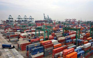 Σύμφωνα με το ΔΝΤ, οι εξαγωγές των ασιατικών οικονομιών αναμένεται να αυξηθούν χάρη όχι μόνον στην ανάκαμψη των κυριότερων αγορών στις οποίες απευθύνονται, ΗΠΑ και Ευρωζώνη, αλλά και στη διολίσθηση των νομισμάτων τους. Η ζήτηση στις χώρες της Ασίας εκτιμάται ότι θα παραμείνει ισχυρή, καθώς τα επίπεδα των επιτοκίων είναι χαμηλά και τα ποσοστά απασχόλησης υψηλά.