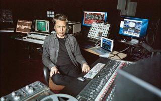 Στο στούντιο ηχογραφώντας το νέο άλμπουμ.