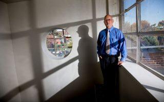 Ο δρ Τζον Κέιν, επικεφαλής του Τμήματος Ψυχιατρικής στην Ιατρική Σχολή Hofstra North Shore, διαπίστωσε ότι η συμβουλευτική θεραπεία είναι ιδιαίτερα επωφελής για τους πάσχοντες.