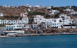 Σήμερα λειτουργούν στην Ελλάδα 31.000 παράνομα καταλύματα με περίπου 214.000 κλίνες.