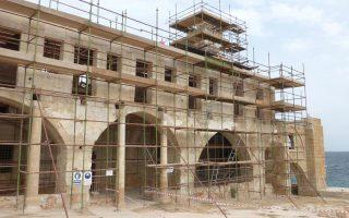 Σε πλήρη εξέλιξη οι εργασίες στη μονή του Αποστόλου Ανδρέα στην Ανατολική Καρπασία στην Κύπρο, για την οποία συνεργάζονται ελληνοκυπριακές και τουρκοκυπριακές κοινοπραξίες.
