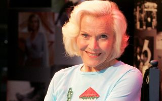 Actress Honor Blackman promoting her new solo show, 'Word of Honor' at Draoicht Theatre, Dublin Ireland.    <P><noscript><img width=