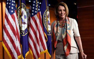 H επικεφαλής των Δημοκρατικών στο Κογκρέσο Νάνσι Πελόζι θεωρεί ότι οι ΗΠΑ τρέφουν συμπάθεια για την Ελλάδα, καθότι αντλούν από το δέντρο της δημοκρατίας που άνθισε στη χώρα μας.