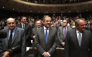 Κ. Μητσοτάκης, Αντ. Σαμαράς και Κ. Καραμανλής. Και οι τρεις πρώην πρόεδροι της Νέας Δημοκρατίας παίζουν κρίσιμο ρόλο στις διαδικασίες αυτής της περιόδου για την αρχηγία του κόμματος.