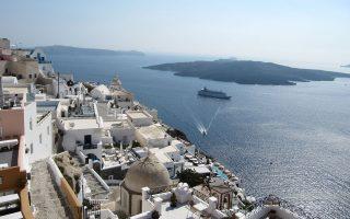 Επιδίωξη για το έτος 2020 είναι οι άμεσες ταξιδιωτικές εισπράξεις να φθάσουν σε 20 δισ. ευρώ από περίπου 14,5 δισ. ευρώ φέτος, αποκάλυψε ο πρόεδρος του ΣΕΤΕ Ανδρέας Ανδρεάδης σε συνέντευξη που παραχώρησε στη βρετανική Travel Weekly.