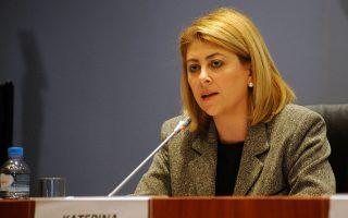 Η απαίτηση από την κυβέρνηση για παραίτηση της γενικής γραμματέως Δημοσίων Εσόδων, Κατερίνας Σαββαΐδου, έχει προκαλέσει εκνευρισμό και απογοήτευση για τους χειρισμούς της στους εκπροσώπους των θεσμών.