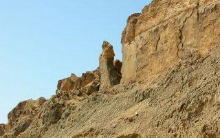 Τα σπήλαια στο Ορος Σοντόμ, στη δυτική όχθη της Νεκράς Θάλασσας, θεωρούνται από άλλους ότι ήταν τα Σόδομα.