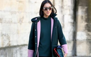 Fashion editor Eva Chen attends Valentino SS16 in Jardins des Tuilleries in Paris, France on October 6, 2015<P><noscript><img width=