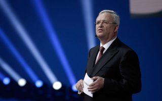 Ο προοριζόμενος για πρόεδρος της VW, Χανς Ντίτερ Πετς, προειδοποιεί ότι το σκάνδαλο των ρύπων θα μπορούσε να θέσει σε κίνδυνο και την ίδια την υπόσταση της εταιρείας.