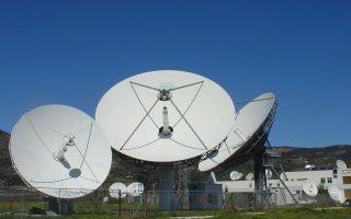 Ο OTE θα προσφέρει την πύλη για τη δορυφορική επικοινωνία αεροπλάνου με το έδαφος, ενώ ο δορυφόρος που θα αξιοποιηθεί για την επικοινωνία αεροπλάνου-εδάφους θα είναι ο HellasSat III/IS.