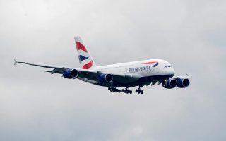apeytheias-ptiseis-londino-amp-8211-kalamata-apo-tin-british-airways0