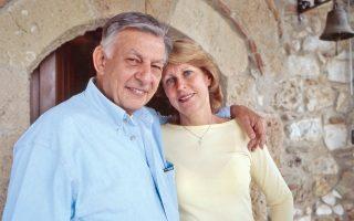 48 χρόνια αγάπης, ο Γιάννης και η Σόφη Βαρβιτσιώτη.