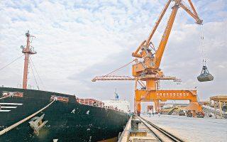Για τον ελληνόκτητο στόλο η δημοφιλέστερη κατηγορία πλοίων είναι τα φορτηγά πλοία μεταφοράς ξηρού φορτίου, καθώς καταλαμβάνουν μερίδιο 47,43% του στόλου, από 44,87% πέρυσι.