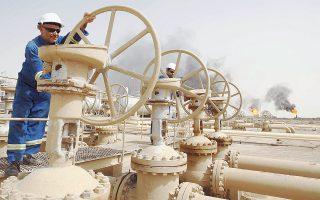 Μέχρι τώρα η Σαουδική Αραβία έθετε σε προτεραιότητα τη διατήρηση του μεριδίου της στην αγορά, παρά τη βουτιά της τιμής. Ωστόσο, πολλά μέλη του ΟΠΕΚ πιέζουν για περιορισμό της παραγωγής πετρελαίου ώστε να ανέβει η τιμή του, καθώς τα ταμεία τους αδειάζουν.