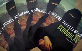 Η Μόνα Λίζα με μπούρκα: η πολωνική έκδοση της «Υποταγής» του Μισέλ Ουελμπέκ δίνει τον τόνο ήδη από το εξώφυλλο.