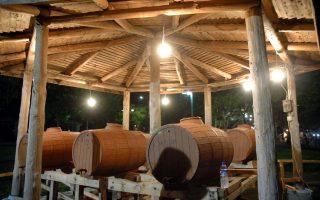 Το «βαρελίσιο» κρασί που σερβίρεται στις ταβέρνες δεν γνωρίζει κανείς από πού ακριβώς προέρχεται.