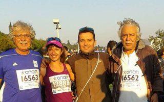 Η μισή οικογένεια Μουντάκη έτρεξε και η άλλη μισή βάδισε.