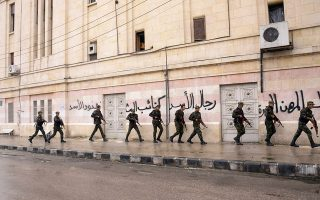 Δεν απέκλεισε τις κοινές επιχειρήσεις με τον στρατό του Συριακού καθεστώτος (φώτο) ο γάλλος ΥΠΕΞ, Λοράν Φαμπιούς.