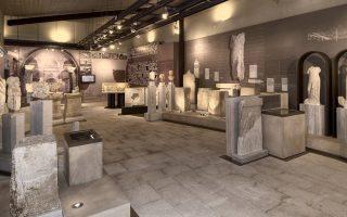 Ο επισκέπτης παρακολουθεί πτυχές του δημόσιου και ιδιωτικού βίου των κατοίκων της αρχαίας Νικόπολης, αλλά και τη μετάβασή της στην παλαιοχριστιανική περίοδο.
