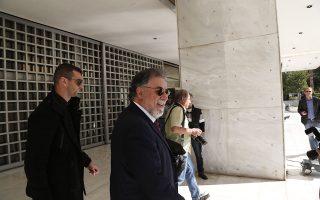 Ο πρώην υπ. Προστασίας του Πολίτη Γιάννης Πανούσης στο γραφείο της εισαγγελέως του Αρείου Πάγου. (EUROKINISSI/ΣΤΕΛΙΟΣ ΜΙΣΙΝΑΣ)