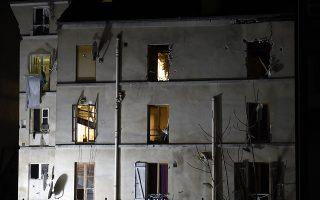 Φωτογραφία του κτιρίου στο Σεν Ντενί όπου εισέβαλαν την Τετάρτη οι ειδικές δυνάμεις της γαλλικής αστυνομίας.
