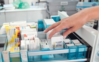 Εν αναμονή του νέου δελτίου τιμών φαρμάκων, σοβαρές ελλείψεις ακόμη και σε ZANTAC καταγράφονται σε ιδιωτικά φαρμακεία.