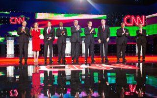 Οι υποψήφιοι Τζον Κάσιτς, Κάρλι Φιορίνα, Μάρκο Ρούμπιο, Μπεν Κάρσον, Ντόναλντ Τραμπ, Τεντ Κρουζ, Τζεμπ Μπους, Κρις Κρίστι και Ραντ Πολ κατά τη διάρκεια του ντιμπέιτ.