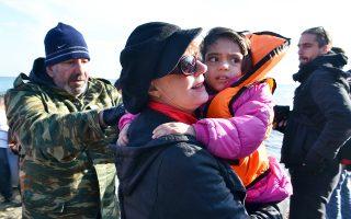 Η Αμερικανίδα ηθοποιός Σούζαν Σάραντον επισκέφθηκε τη Λέσβο και μίλησε με πρόσφυγες, εθελοντές και ΜΚΟ.