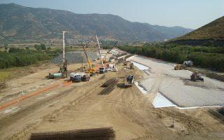Η εξαίρεση του τμήματος Πάτρας - Πύργου από τον παραχωρημένο αυτοκινητόδρομο Ελευσίνας - Κορίνθου - Πάτρας - Πύργου - Τσακώνας έγινε στο πλαίσιο της επανεκκίνησης του έργου, στο τέλος του 2013.
