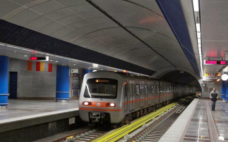 prasino-fos-gia-kameres-mesa-se-syrmoys-toy-metro-2113093