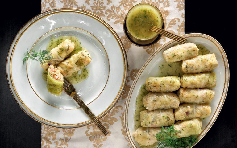 Λαχανοντολμάδες με ολίγη πανσέτα, πάπρικα και μαραθόσπορο