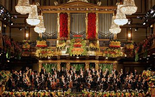 Vienna's 'Goldener Musikvereinssaal' is seen during the New Year Concert 2006 on January 1, 2006. The concert was conducted by Maestro Mariss Jansons of Latvia and broadcast by more than 30 television and some 100 radio stations worldwide.      REUTERS/Herbert Neubauer