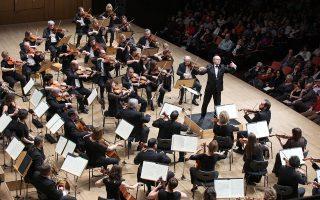 Ο Ιβάν Φίσερ απέσπασε εμπνευσμένες ερμηνείες διευθύνοντας την Ορχήστρα του Φεστιβάλ της Βουδαπέστης.