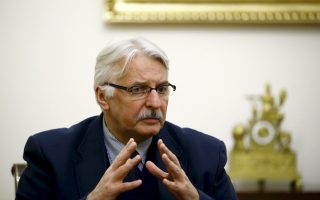 Ο Πολωνός υπουργός Εξωτερικών Βίτολντ Βασικόσφκι δεν σταμάτησε να δίνει συνεντεύξεις το Σαββατοκύριακο σε ευρωπαϊκά ΜΜΕ για να εξηγήσει τις θέσεις της Βαρσοβίας.