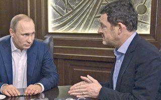 Ο πρόεδρος της Ρωσίας Βλαντιμίρ Πούτιν με τον διευθυντή της γερμανικής Bild, Κάι Ντίκμαν, στο Σότσι.