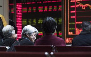 H αύξηση του εμπορικού πλεονάσματος της Κίνας, που τον Δεκέμβριο διαμορφώθηκε στα 60 δισ. δολ., λειτούργησε ως παράγων στήριξης του νομίσματος, των χρηματιστηρίων και γενικότερα της κινεζικής οικονομίας.